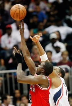 Deng shoots
