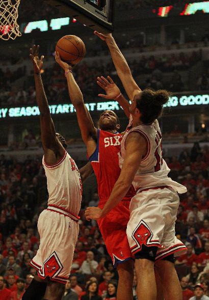 109 – 92 試合スタッツ(ESPN) Associated Pressを翻訳 ローズ抜きで勝てず、シリーズはタイに シカゴ-(現地:2012年4月2日) 試合前、会場にいたデリック・ローズに対してフ […]